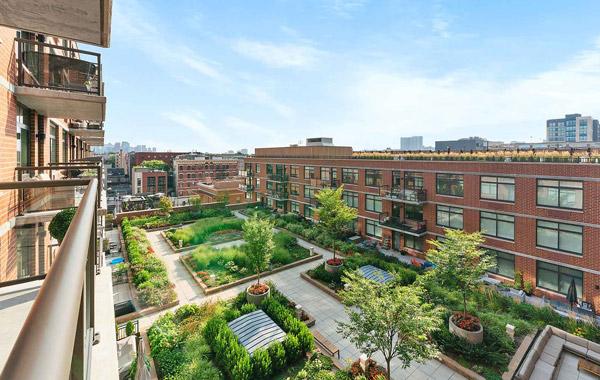 1400 Hudson, City Living